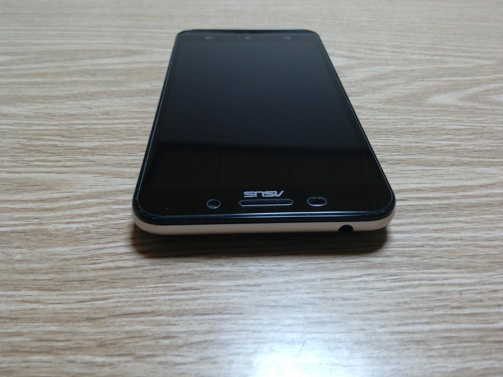 Zenfone Max 上から