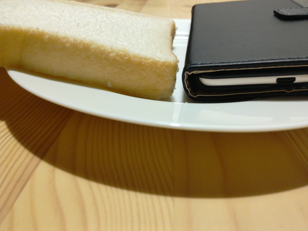 食パンとZenfone Max