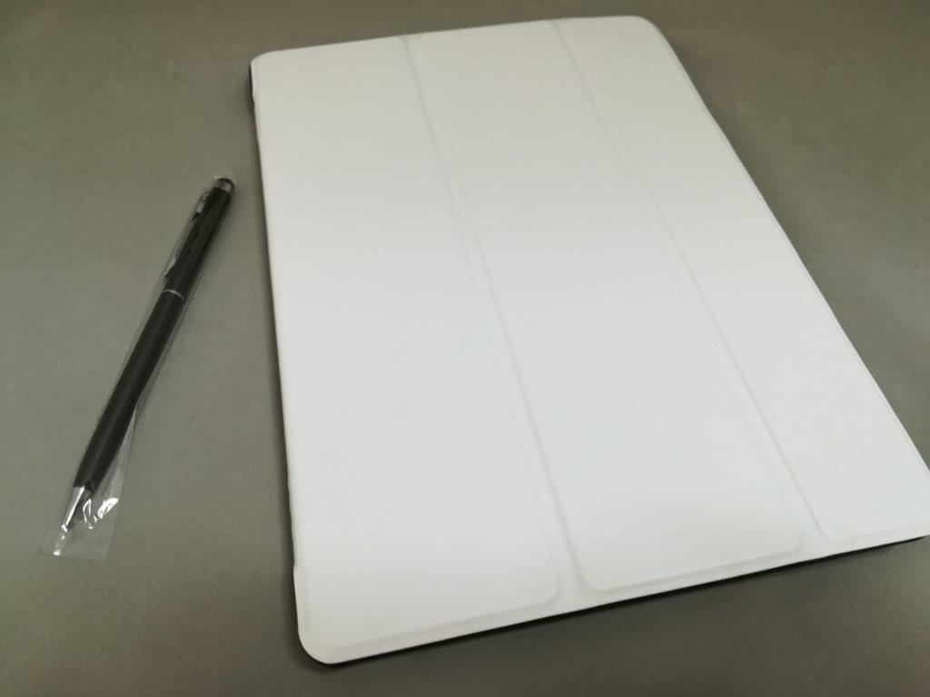 ホワイトのケース