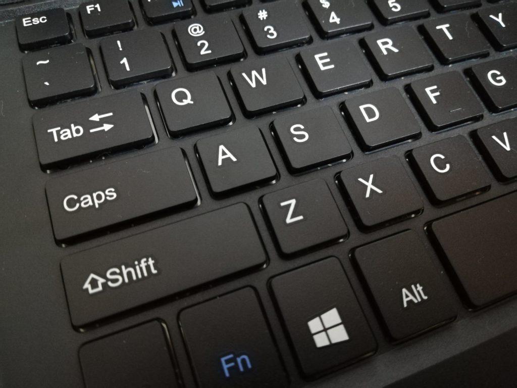 日本語入力モードはCaps + Shiftキー