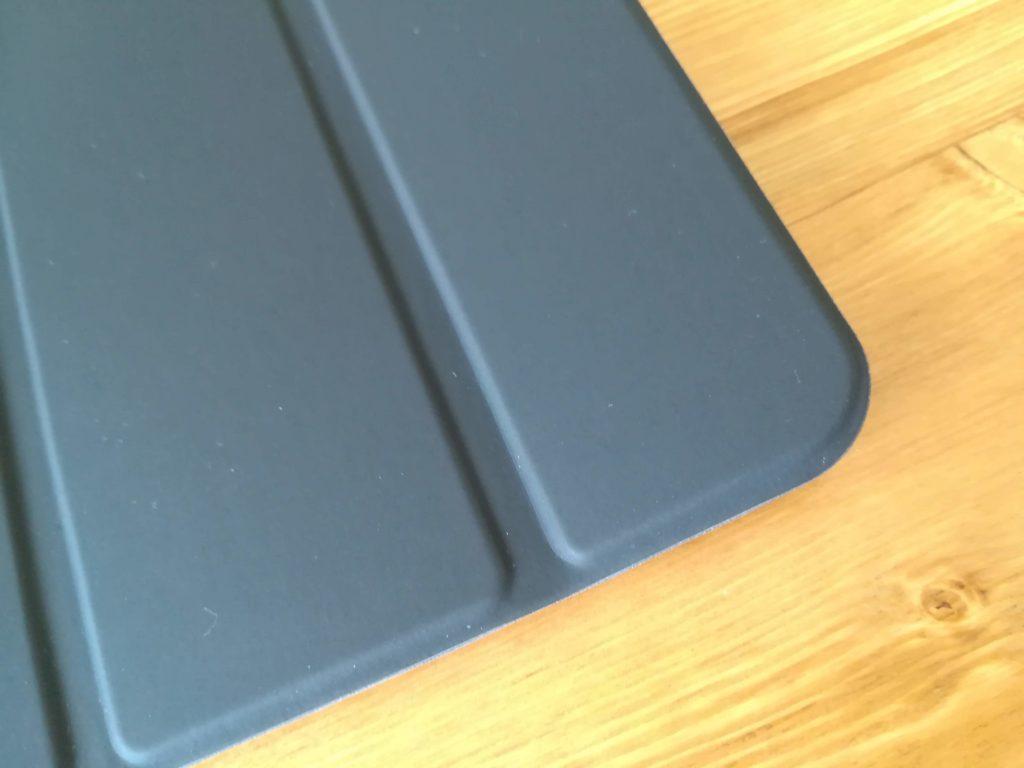 HUAWEI MediaPad M5のケースの表の素材