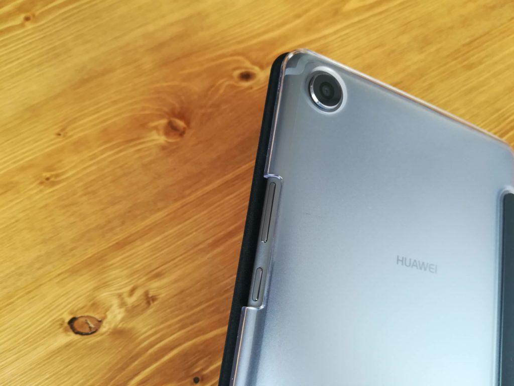 HUAWEI MediaPad M5の透明ケース。コスパ感はいい。