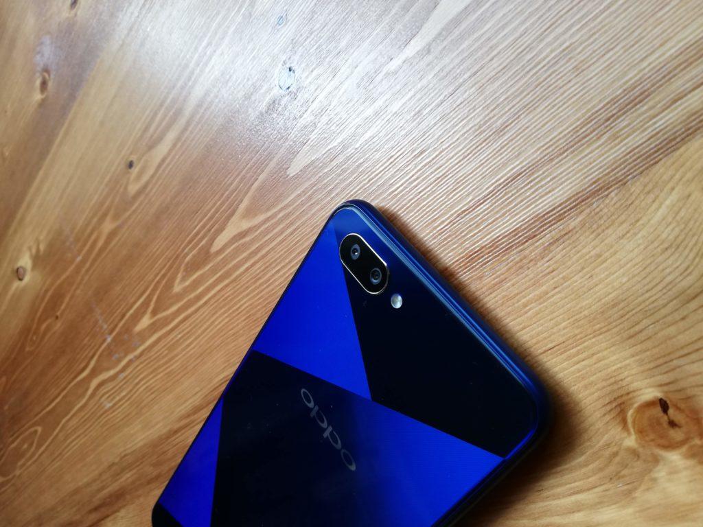 青色はかなり黒くなる