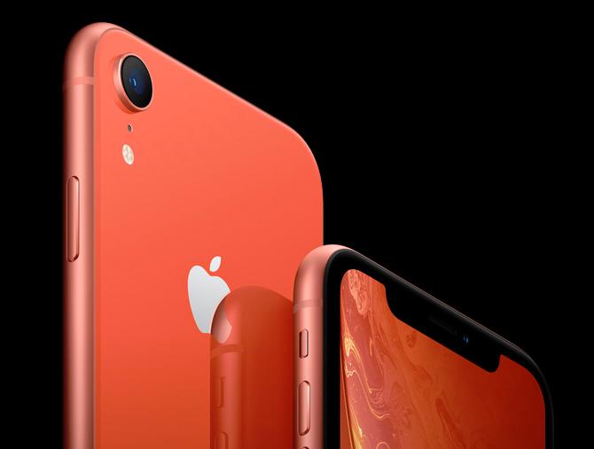 iPhone XRのカメラはシングル(出典:公式サイト)