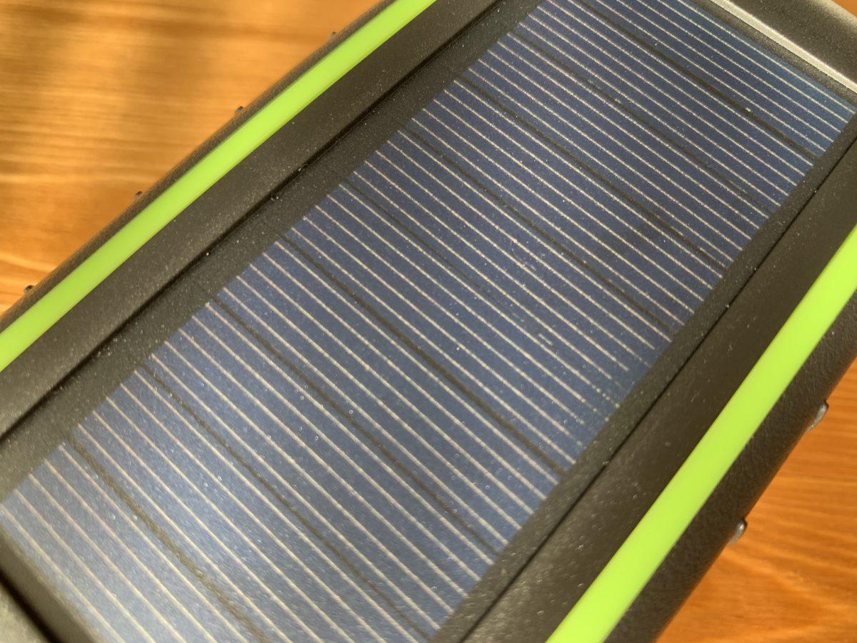 ソーラーチャージャーモバイルバッテリー