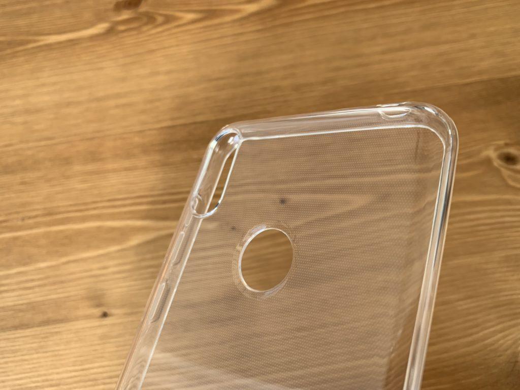 指紋認証とカメラの穴