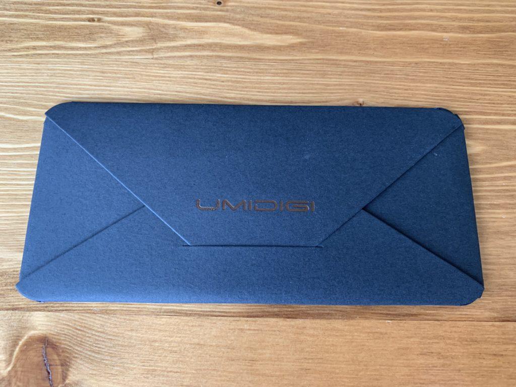 小さな封筒の裏側