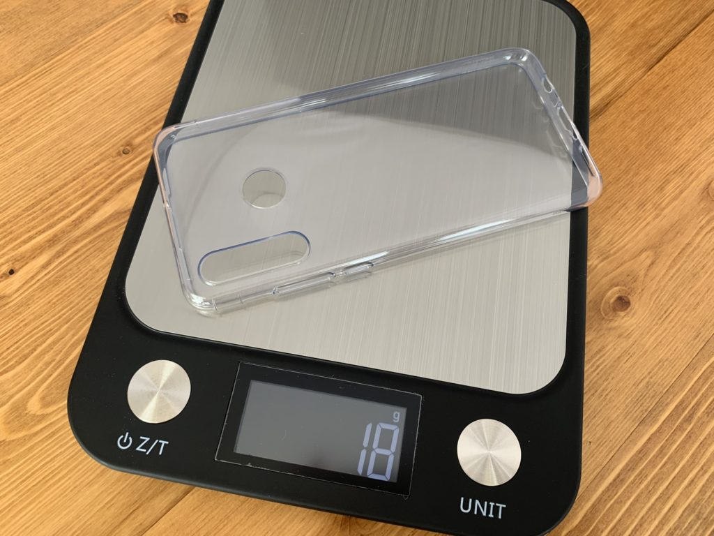 ケースの重量は18グラム