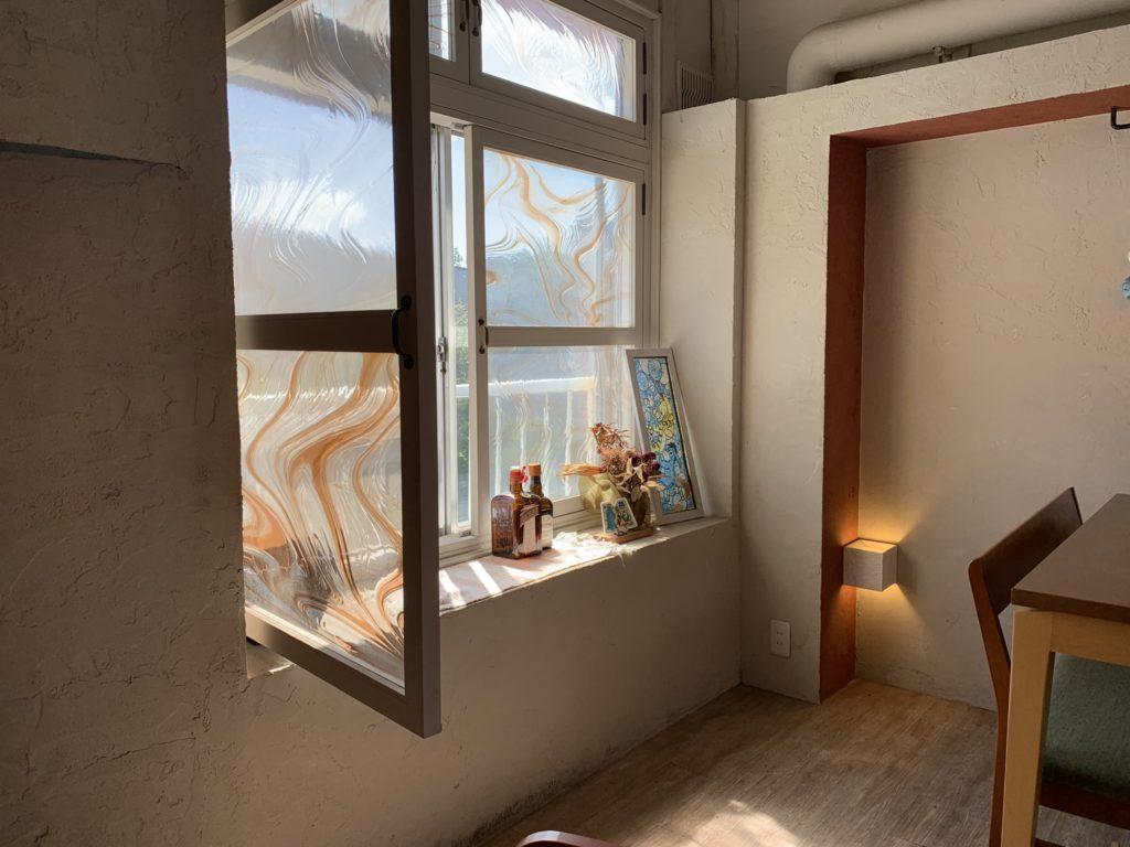 室内の窓のある風景 iPhone XR
