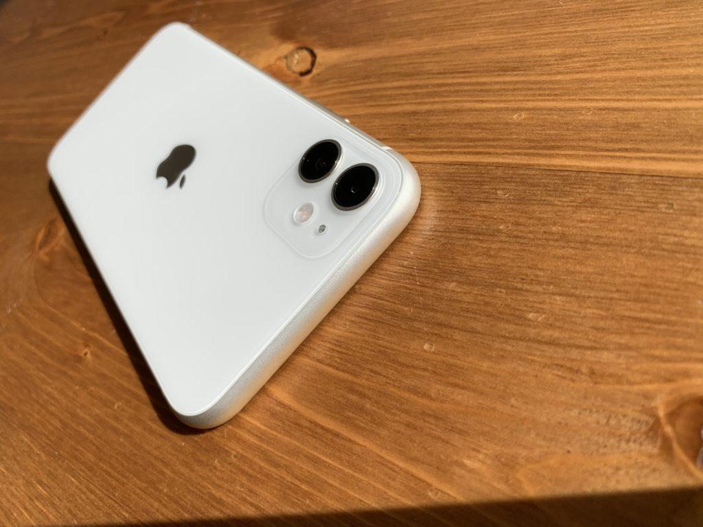 至ってシンプルなiPhone 11