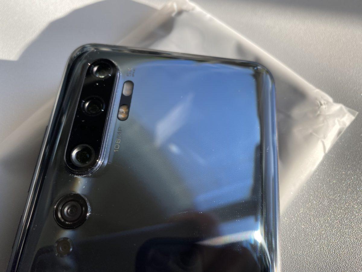 Xiaomi Mi Note 10と付属ケース