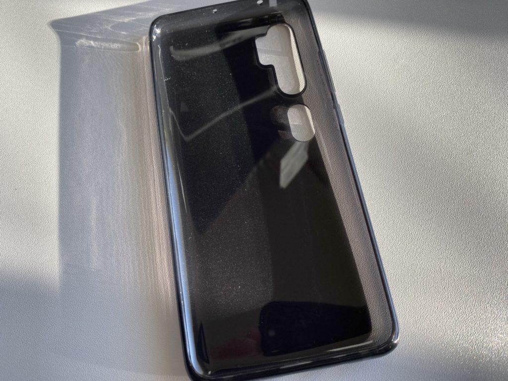 半透明のブラック