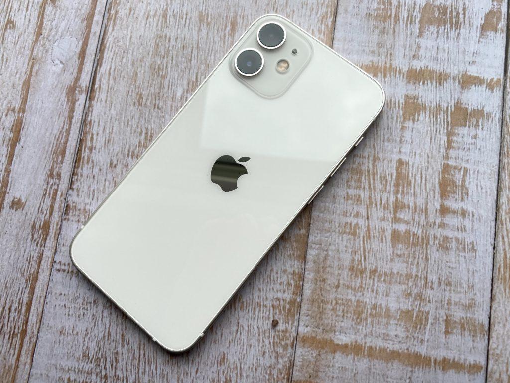 iPhone 12 miniの白は高級感あり