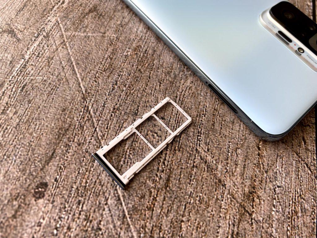 Redmi Note 10 ProのSIMトレー