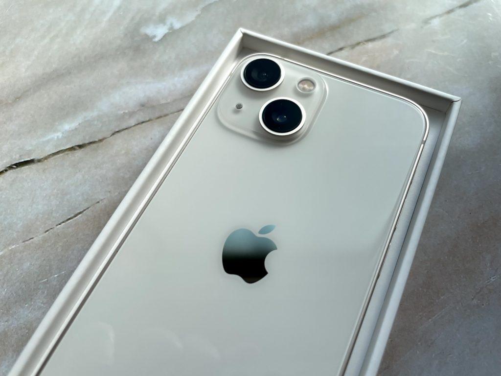 iPhone 13 miniはカメラがゴツイ