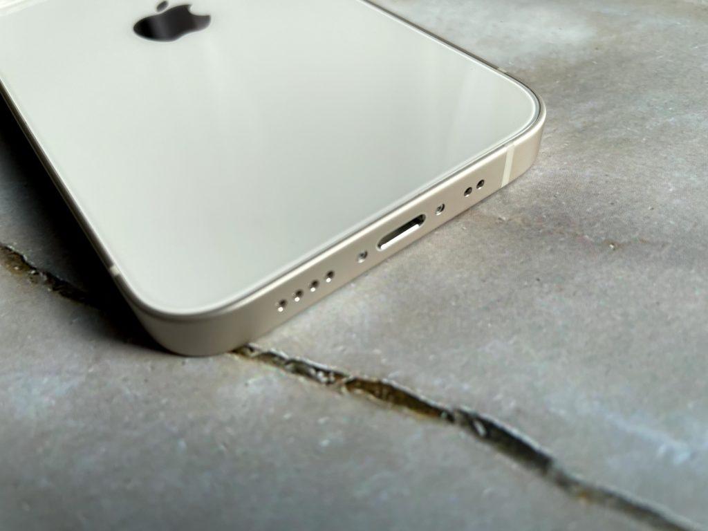 iPhone 13 miniの下部